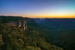 Blauw uur bij het vooruitzicht van de govettssprong, blauwe bergen, Australië 43 stock foto's