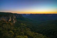 Blauw uur bij het vooruitzicht van de govettssprong, blauwe bergen, Australië 44 royalty-vrije stock foto's