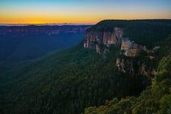 Blauw uur bij het vooruitzicht van de govettssprong, blauwe bergen, Australië 53 stock foto's