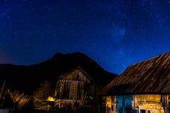 Blauw uur in de bergen Royalty-vrije Stock Foto's