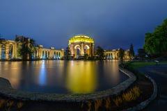 Blauw uur over het Paleis van Beeldende kunsten royalty-vrije stock afbeeldingen