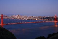 Blauw uur van golden gate bridge Stock Afbeelding