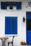 Blauw venster als achtergrond Stock Fotografie