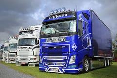 Blauw Volvo FH toont Vrachtwagen op Vertoning Royalty-vrije Stock Afbeeldingen