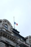 Blauw-wit-rode vlag bij helft-mast Royalty-vrije Stock Foto's