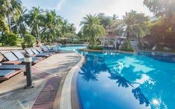 Blauw zwembad in hotel royalty-vrije stock afbeelding