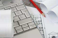 Blauwdruk en laptop Royalty-vrije Stock Afbeelding