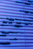 Blauwe abstractie in de vorm van draad en canvastextuur stock afbeelding