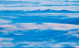 Blauwe afwijkingen, de winterlandschap, Stock Foto's