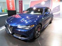 Blauwe Alpha- Romeo Quadrifoglio Sedan stock foto