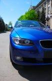 Blauwe auto royalty-vrije stock afbeeldingen
