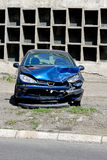 Blauwe autoneerstorting stock foto's