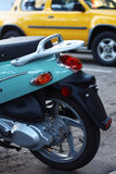 Blauwe autoped Stock Afbeeldingen