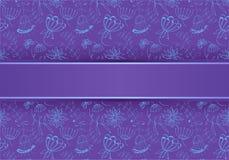 blauwe bloemen op een purpere achtergrond, Illustratie royalty-vrije stock afbeelding