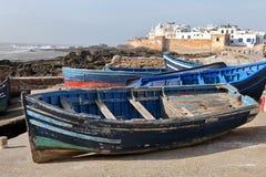 Blauwe boten in Essaouira Stock Foto