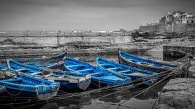 Blauwe boten van Essaouira Stock Afbeelding