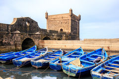 Blauwe boten van Essaouira, Marokko Royalty-vrije Stock Foto's