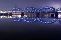 Blauwe brug in de nacht Royalty-vrije Stock Foto