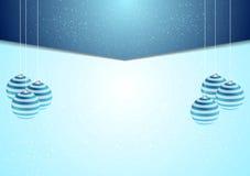 Blauwe collectieve Kerstmisachtergrond met sparrenballen Stock Foto