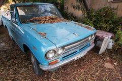 Blauwe datsun 1300 bestelwagenauto Royalty-vrije Stock Foto's
