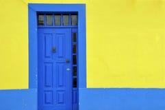 Blauwe deur Royalty-vrije Stock Foto's