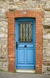 Blauwe deur Royalty-vrije Stock Afbeeldingen