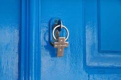 Blauwe deur en de sleutel royalty-vrije stock foto's