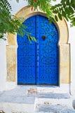 Blauwe deur in Tunis Stock Foto's