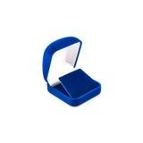 Blauwe die juwelendoos op wit wordt geïsoleerd Stock Afbeelding