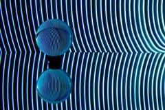 Blauwe die lichten achter een transparant gebied worden gebogen Lichte het schilderen fotografie royalty-vrije stock foto