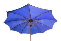 Blauwe die paraplu op wit wordt geïsoleerd Stock Afbeeldingen