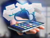 Blauwe die wolk door realistische die envelop e-mail wordt omringd op a wordt getoond Royalty-vrije Stock Fotografie