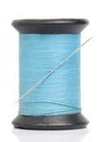 Blauwe draad met naald stock foto's