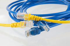Blauwe en gele kabel Stock Afbeeldingen