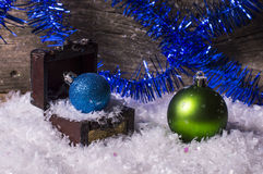 Blauwe en groene Kerstmisballen Stock Afbeelding