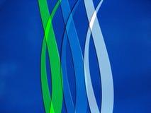 Blauwe en Groene lijnen die op Blauwe Achtergrond buigen Royalty-vrije Stock Afbeelding