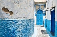 Blauwe en witte huizen in kasbah van Rabat royalty-vrije stock fotografie