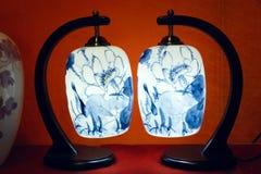 Blauwe en witte porseleinlamp Royalty-vrije Stock Foto's