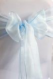 Blauwe en witte stoeldekking royalty-vrije stock foto's