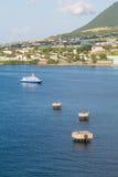Blauwe en Witte Veerboot van St Kitts Stock Foto