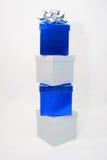 Blauwe en zilveren dozen stock foto's
