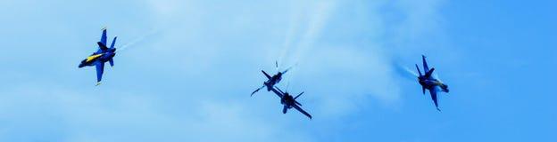 Blauwe Engelen in Vorming Royalty-vrije Stock Afbeeldingen