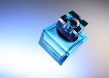 Blauwe fles voor parfum Royalty-vrije Stock Afbeeldingen