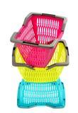 Blauwe, gele en roze plastic het winkelen mand. Royalty-vrije Stock Fotografie