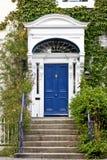 Blauwe Georgische deur, Dublin, Ierland Stock Afbeeldingen