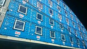 Blauwe geprefabriceerde huisvesting Stock Foto's