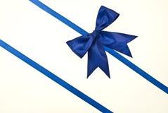 Blauwe gift, lint, boog Stock Afbeelding