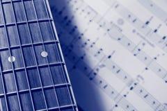 (Blauwe) gitaar en Muziek Stock Afbeelding