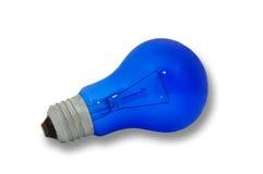 Blauwe gloeilamp, die op witte achtergrond wordt geïsoleerdn Stock Foto's
