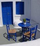 Blauwe Griekse veranda royalty-vrije stock afbeeldingen